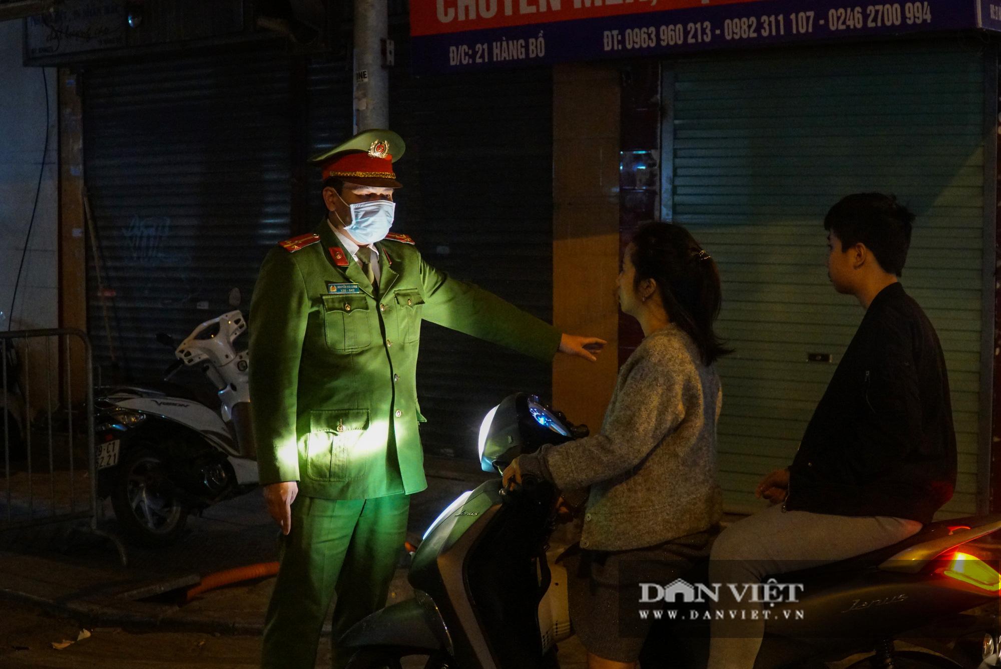 Dân phố cổ cảm thấy bất tiện khi Hà Nội mở rộng thêm 8 tuyến phố đi bộ - Ảnh 6.