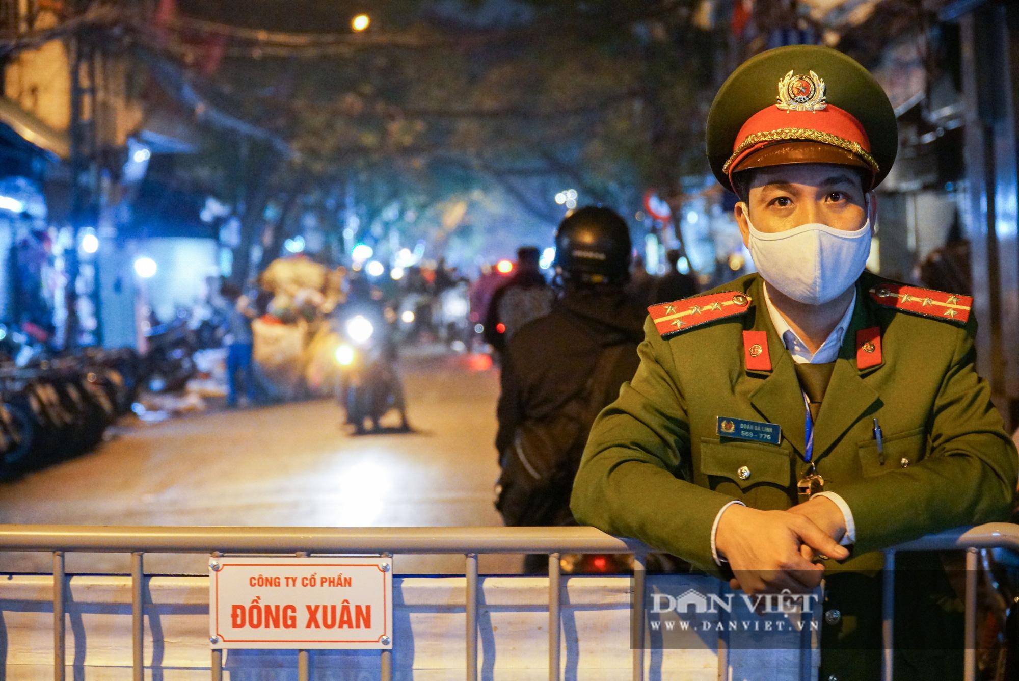 Dân phố cổ cảm thấy bất tiện khi Hà Nội mở rộng thêm 8 tuyến phố đi bộ - Ảnh 8.