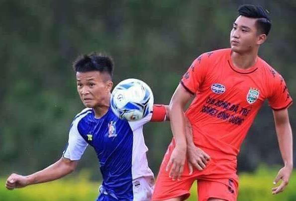 Trung vệ Việt kiều Italia cao 1m82, giỏi 4 ngoại ngữ của U19 Bình Dương giờ ra sao? - Ảnh 1.