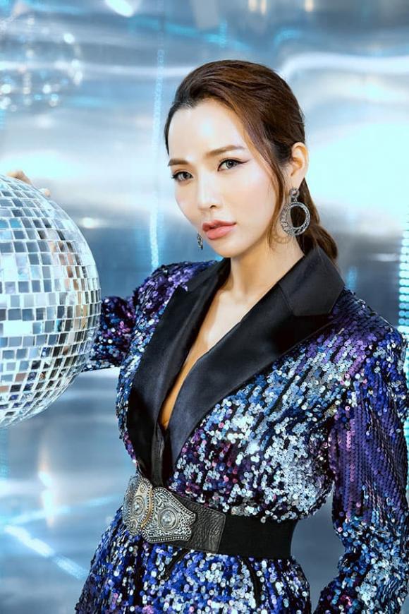 """""""Vietnam International Fashion Festival 2020"""": Những siêu mẫu vang bóng một thời chứng tỏ đẳng cấp - Ảnh 11."""