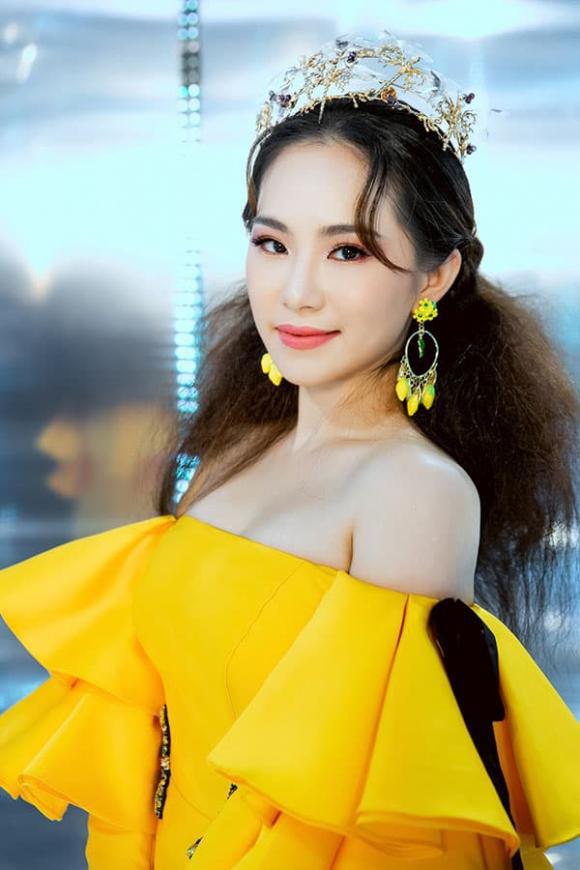 """""""Vietnam International Fashion Festival 2020"""": Những siêu mẫu vang bóng một thời chứng tỏ đẳng cấp - Ảnh 3."""