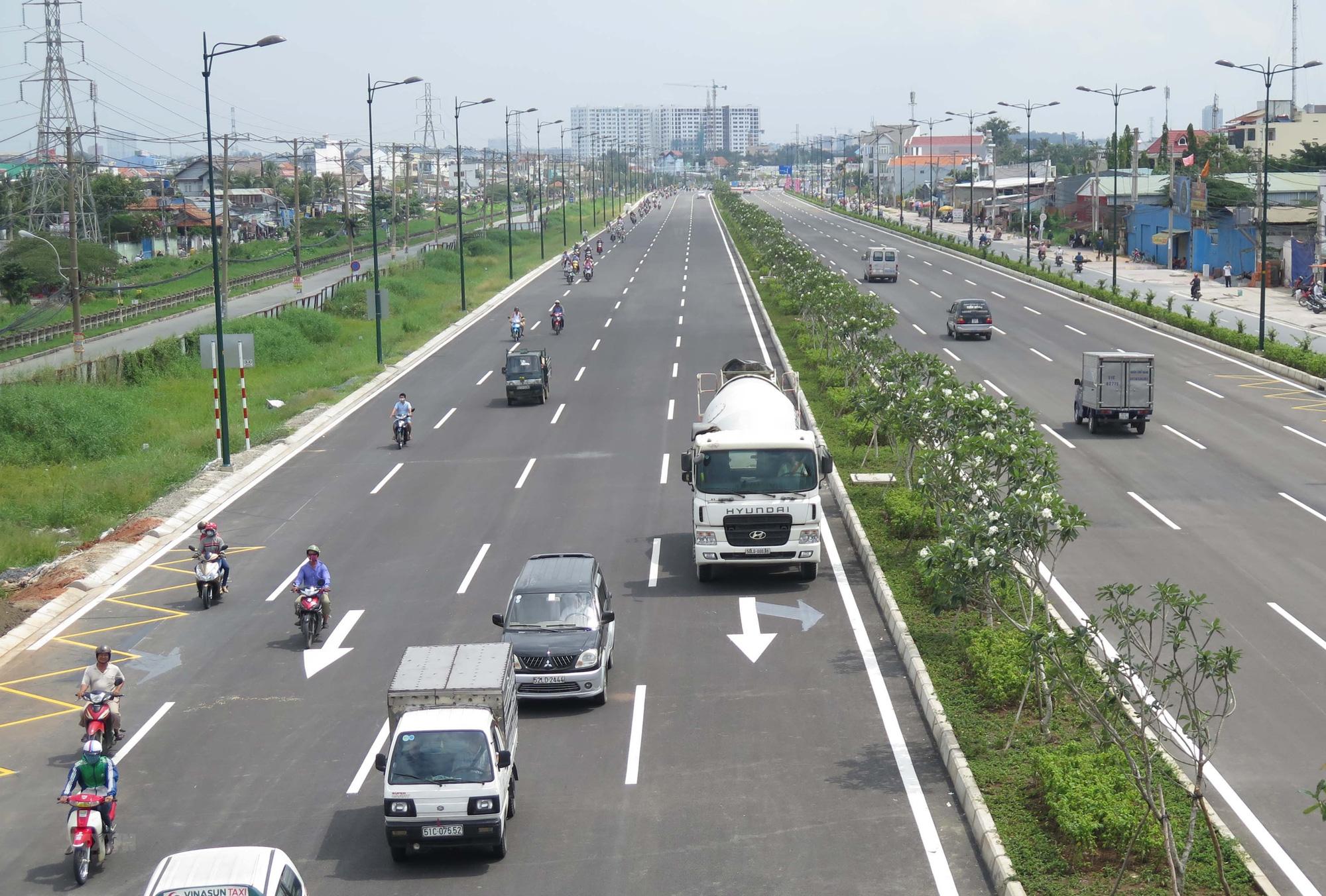 Thu phí hoàn vốn Dự án mở rộng Xa lộ Hà Nội, vì sao khó triển khai? - Ảnh 1.