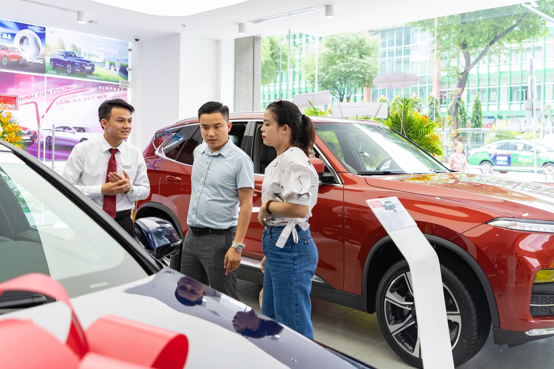 Những thay đổi tích cực trong hành vi mua xe ô tô của người Việt - Ảnh 1.
