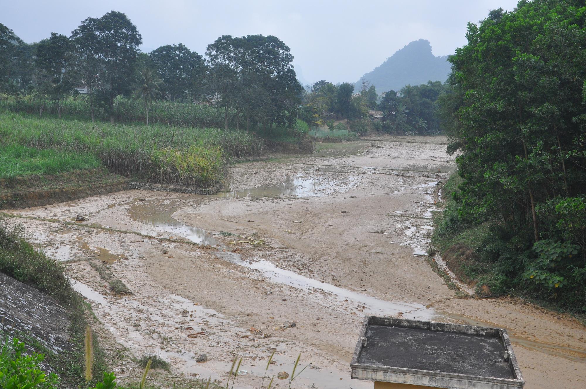 Cận cảnh sự cố vỡ kênh Bắc sông Chu - Nam sông Mã ở Thanh Hóa - Ảnh 9.