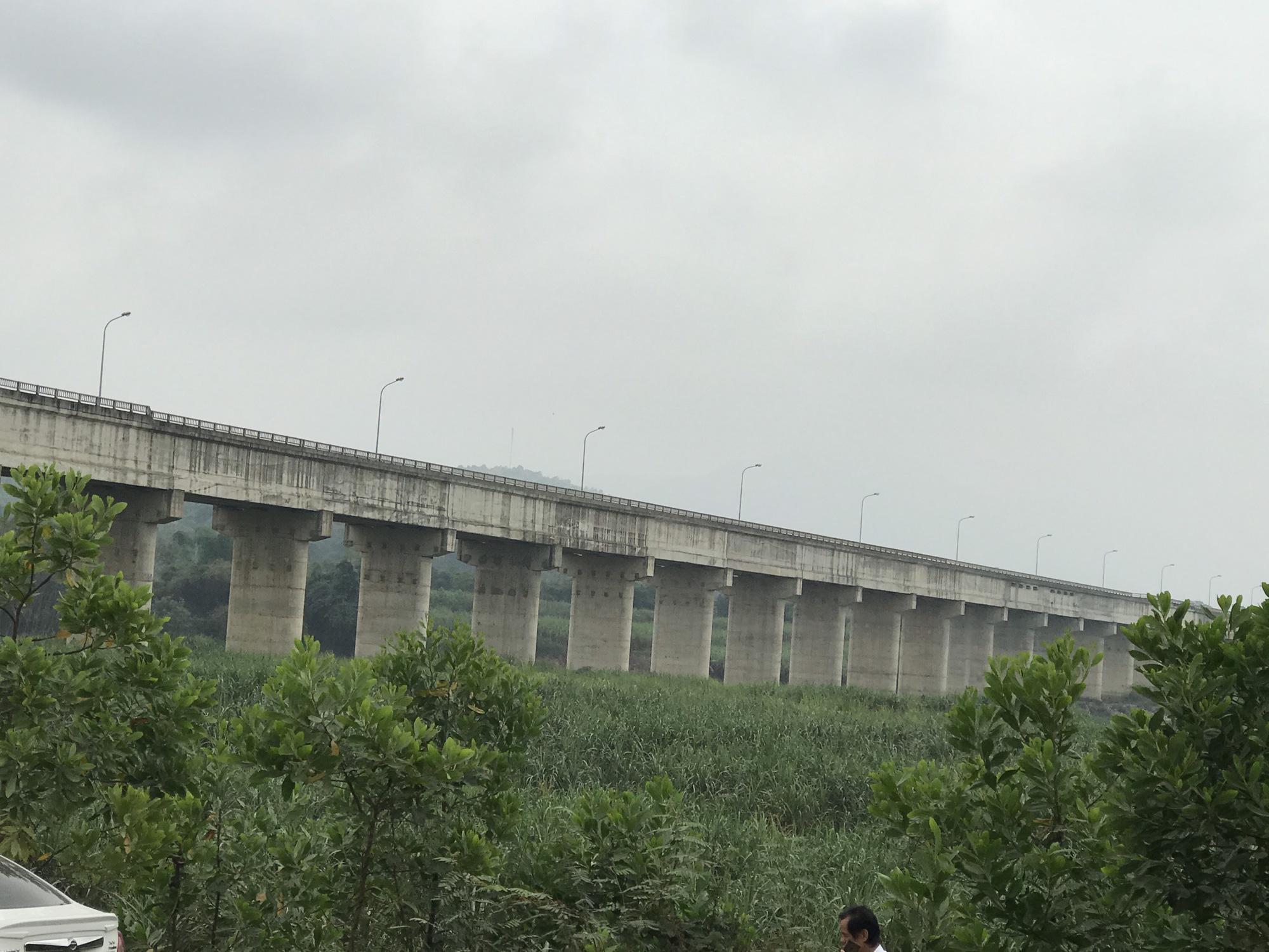 Cận cảnh sự cố vỡ kênh Bắc sông Chu - Nam sông Mã ở Thanh Hóa - Ảnh 11.