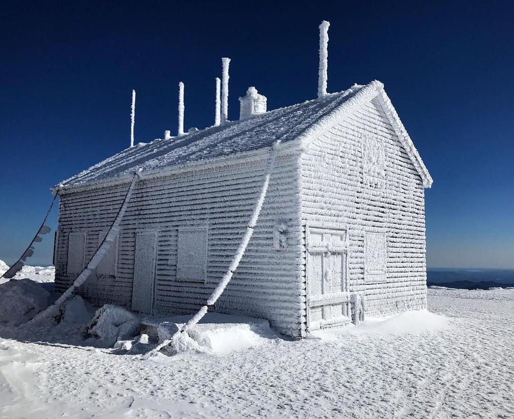 Nơi có thời tiết khắc nghiệt ngang đỉnh Everest - Ảnh 4.