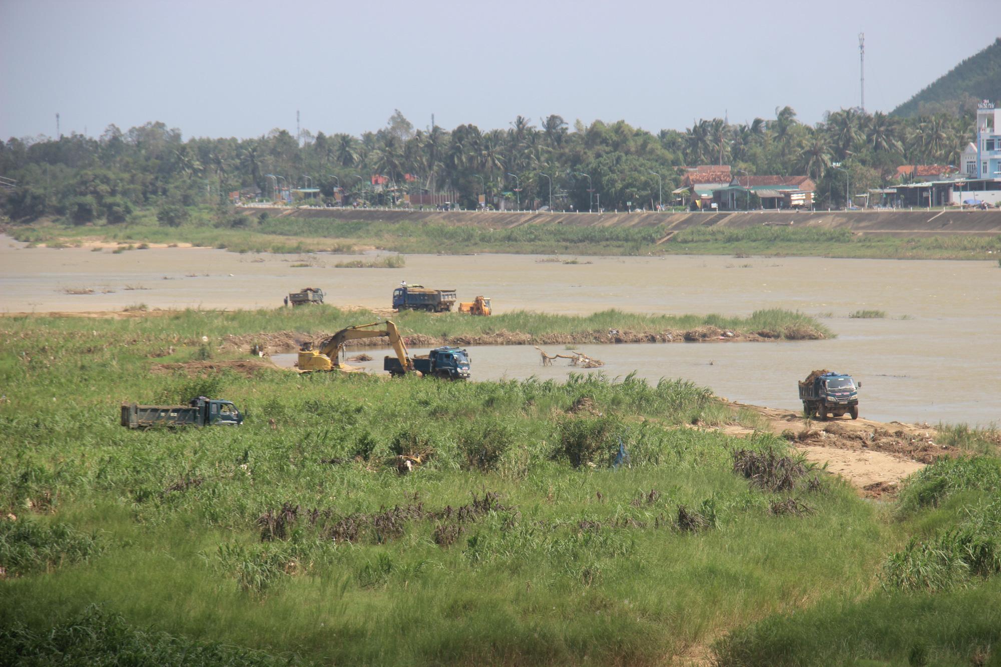 """Sự thật bất ngờ đằng sau dự án nạo vét sông Lại Giang: Chủ tịch tỉnh Bình Định chỉ đạo """"nóng"""" - Ảnh 2."""