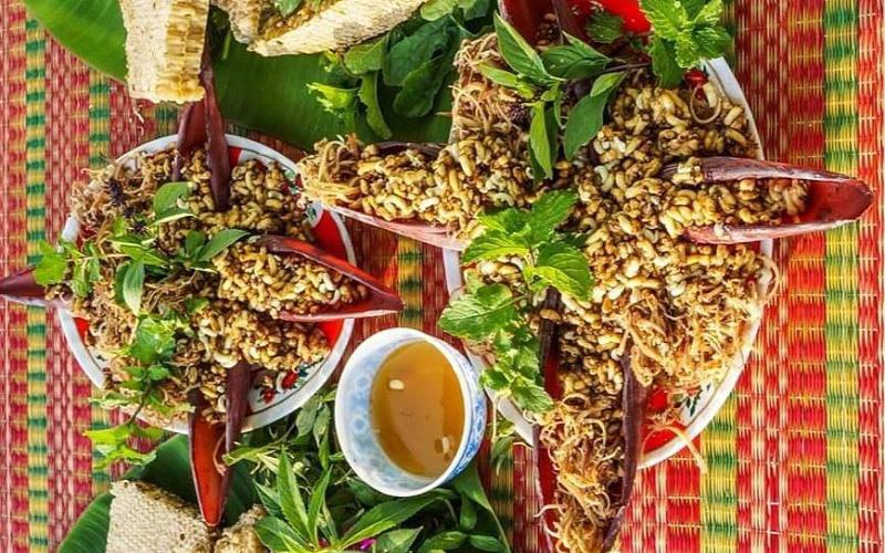 """U Minh có nhiều đặc sản """"có một không hai"""", nhưng gỏi nhộng ong được xếp vào hàng """"đệ nhất"""""""