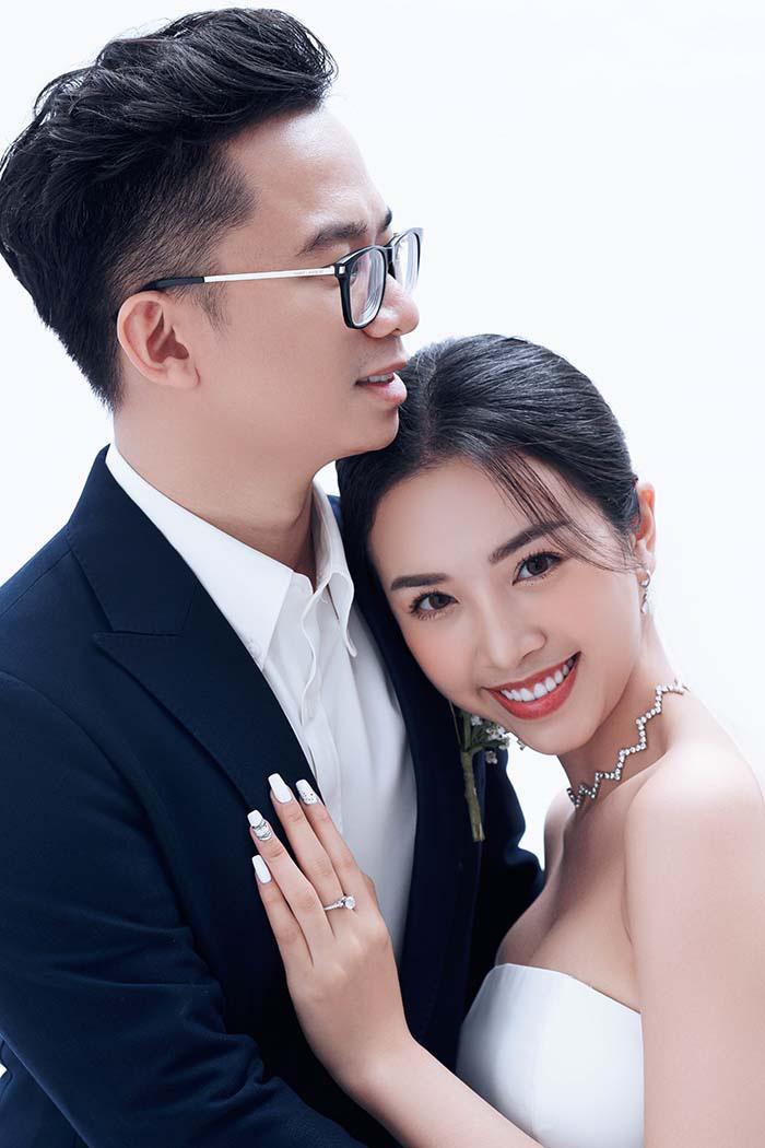 Bộ ảnh cưới siêu ngọt ngào của Á hậu Thuý An khiến khán giả ngất ngây - Ảnh 3.