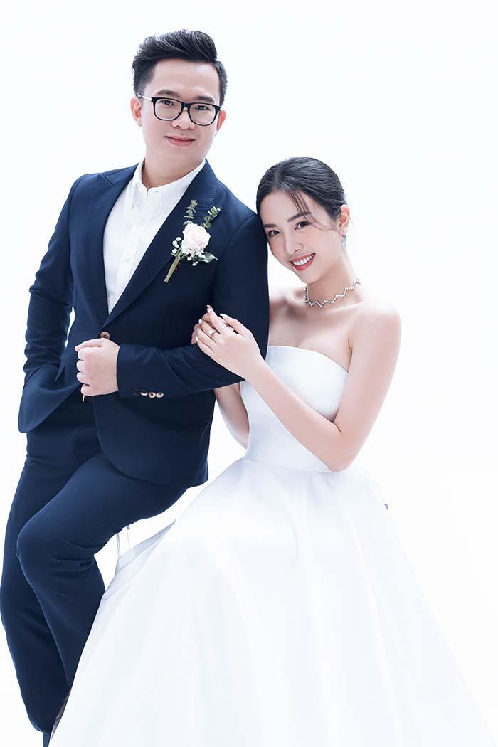 Bộ ảnh cưới siêu ngọt ngào của Á hậu Thuý An khiến khán giả ngất ngây - Ảnh 1.