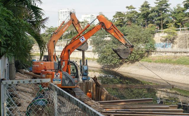 Cận cảnh công trình tách nước thải khỏi sông Tô Lịch - Ảnh 1.