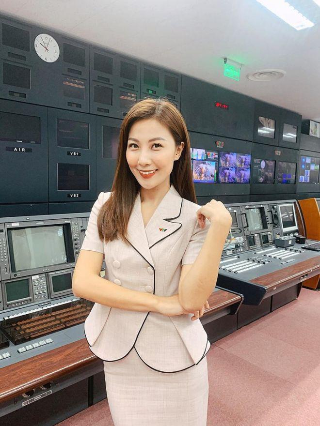 Vẻ quyến rũ của BTV Quỳnh Hoa - mỹ nhân mới dẫn thời sự VTV hiếm hoi mặc bikini nóng bỏng - Ảnh 5.