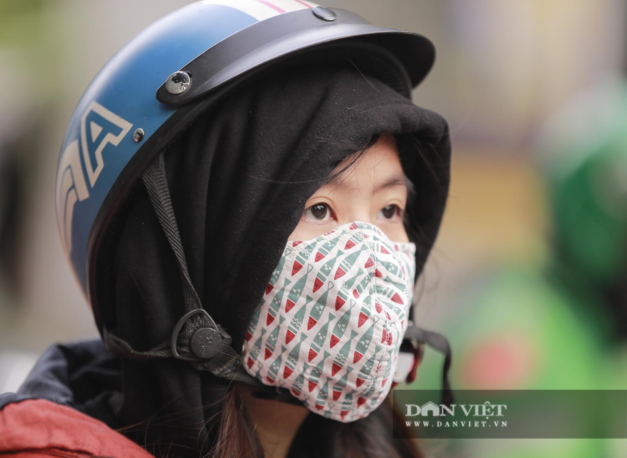 Không khí lạnh tăng cường, người Hà Nội co ro trong cái lạnh 12 độ - Ảnh 7.