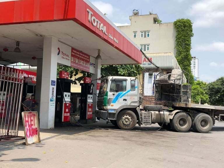 Lo nước ngoài thâu tóm hệ thống phân phối xăng dầu - Ảnh 1.