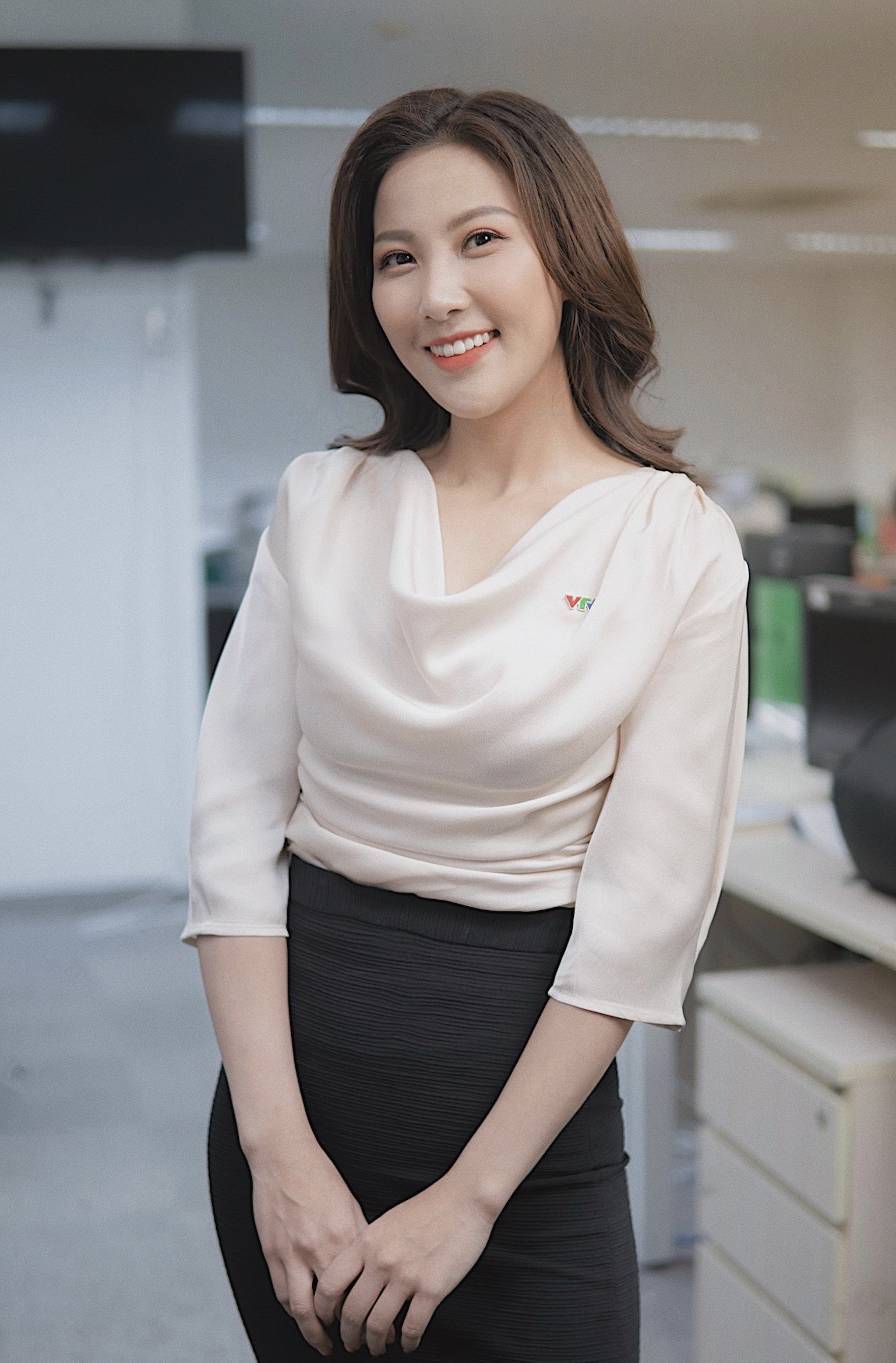 Vẻ quyến rũ của BTV Quỳnh Hoa - mỹ nhân mới dẫn thời sự VTV hiếm hoi mặc bikini nóng bỏng - Ảnh 9.