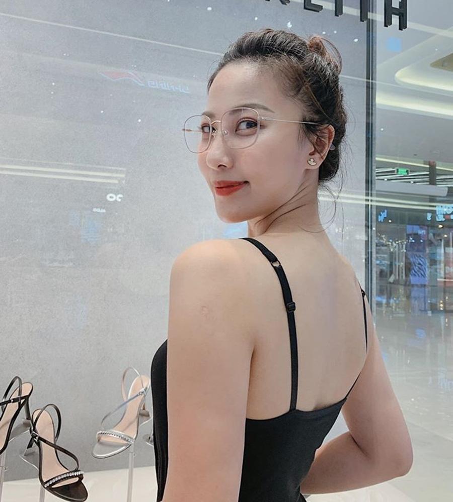Vẻ quyến rũ của BTV Quỳnh Hoa - mỹ nhân mới dẫn thời sự VTV hiếm hoi mặc bikini nóng bỏng - Ảnh 7.