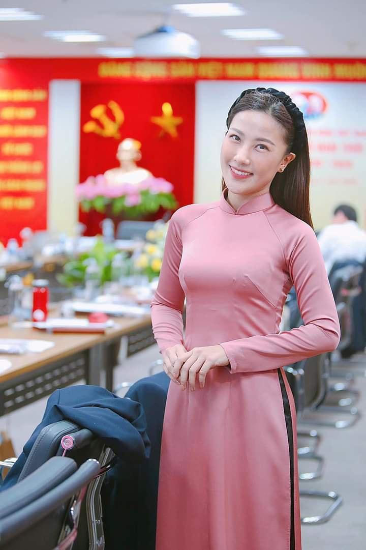 Vẻ quyến rũ của BTV Quỳnh Hoa - mỹ nhân mới dẫn thời sự VTV hiếm hoi mặc bikini nóng bỏng - Ảnh 6.