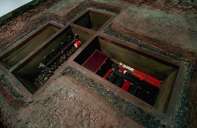 Chiếc quan tài được đúc hoàn toàn bằng vàng hiếm có bí ẩn nhất thế gian,10 năm vẫn chưa được mở! - Ảnh 1.