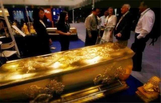 Chiếc quan tài được đúc hoàn toàn bằng vàng hiếm có bí ẩn nhất thế gian,10 năm vẫn chưa được mở! - Ảnh 4.