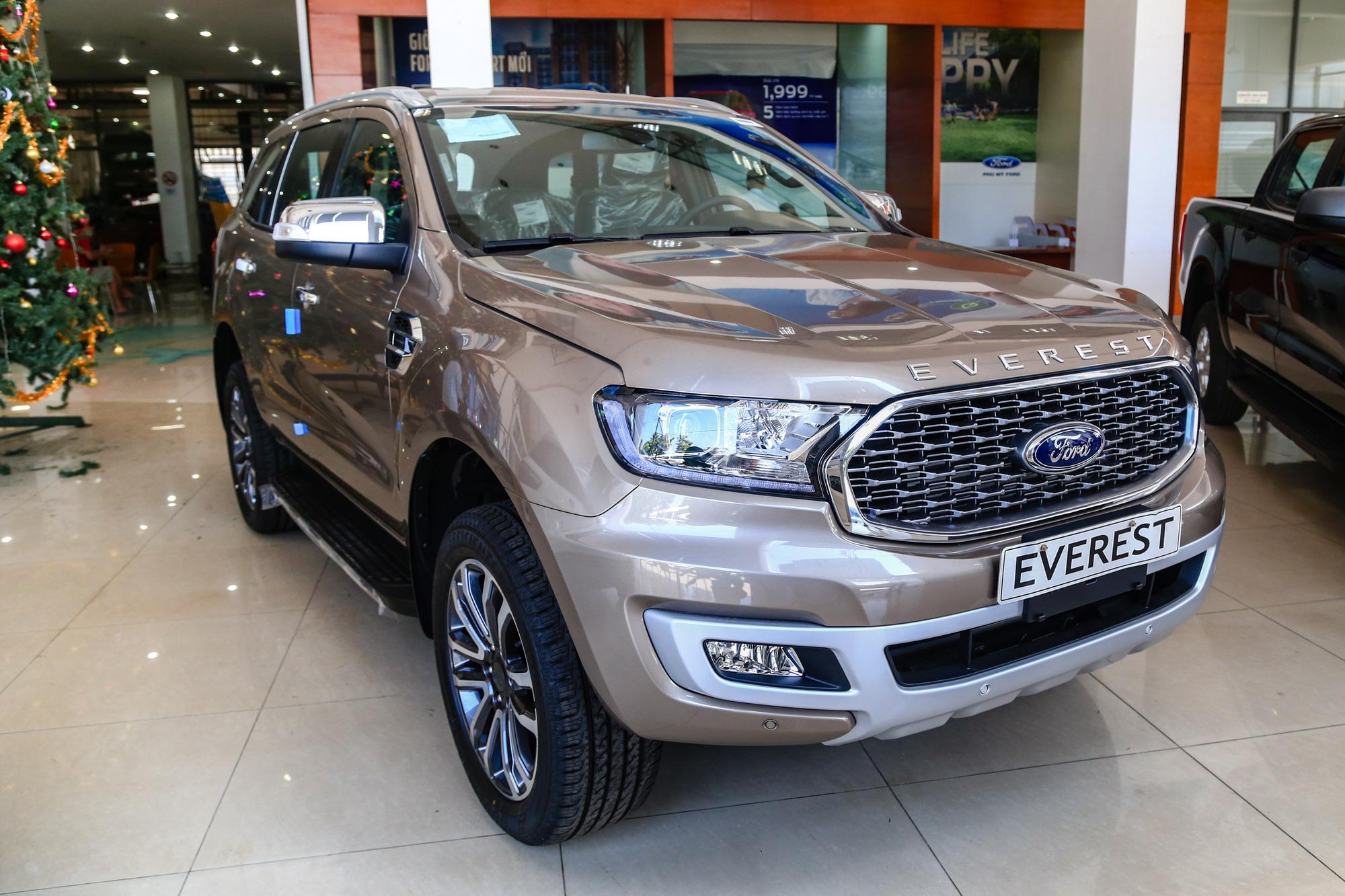 Những mẫu xe được giảm giá mạnh trong tháng cuối năm - Ảnh 2.