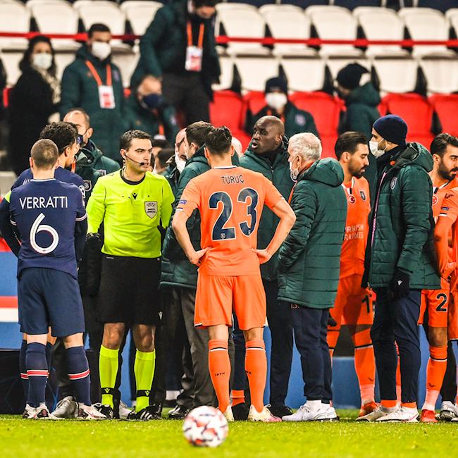 SỐC: Trợ lý trọng tài phân biệt chủng tộc, trận đấu PSG - Istanbul bị hoãn - Ảnh 1.