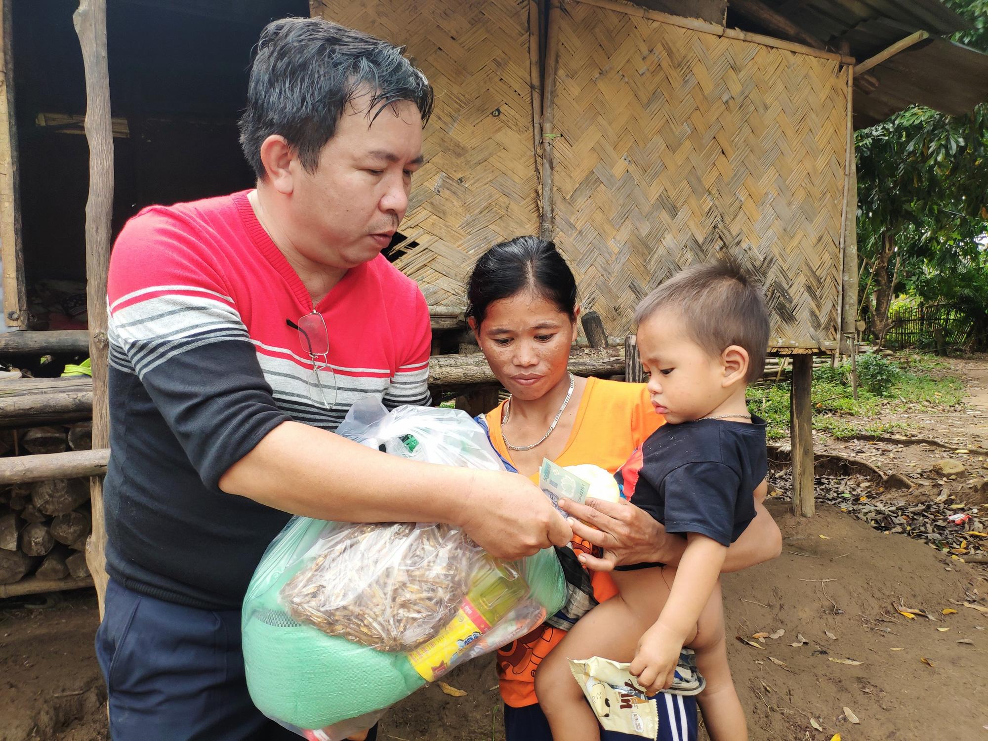 """Báo Điện tử Dân Việt kêu gọi mang """"Đông ấm"""" về với học sinh nghèo Quảng Trị - Ảnh 4."""