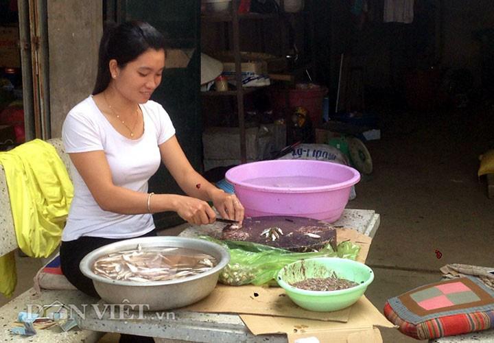 Về Quỳnh Nhai thưởng thức đặc sản cá tép dầu - Ảnh 3.