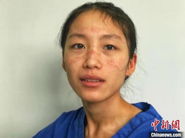 Rơi nước mắt trước chuyện tình các y bác sĩ giữa tâm dịch Vũ Hán - Ảnh 3.