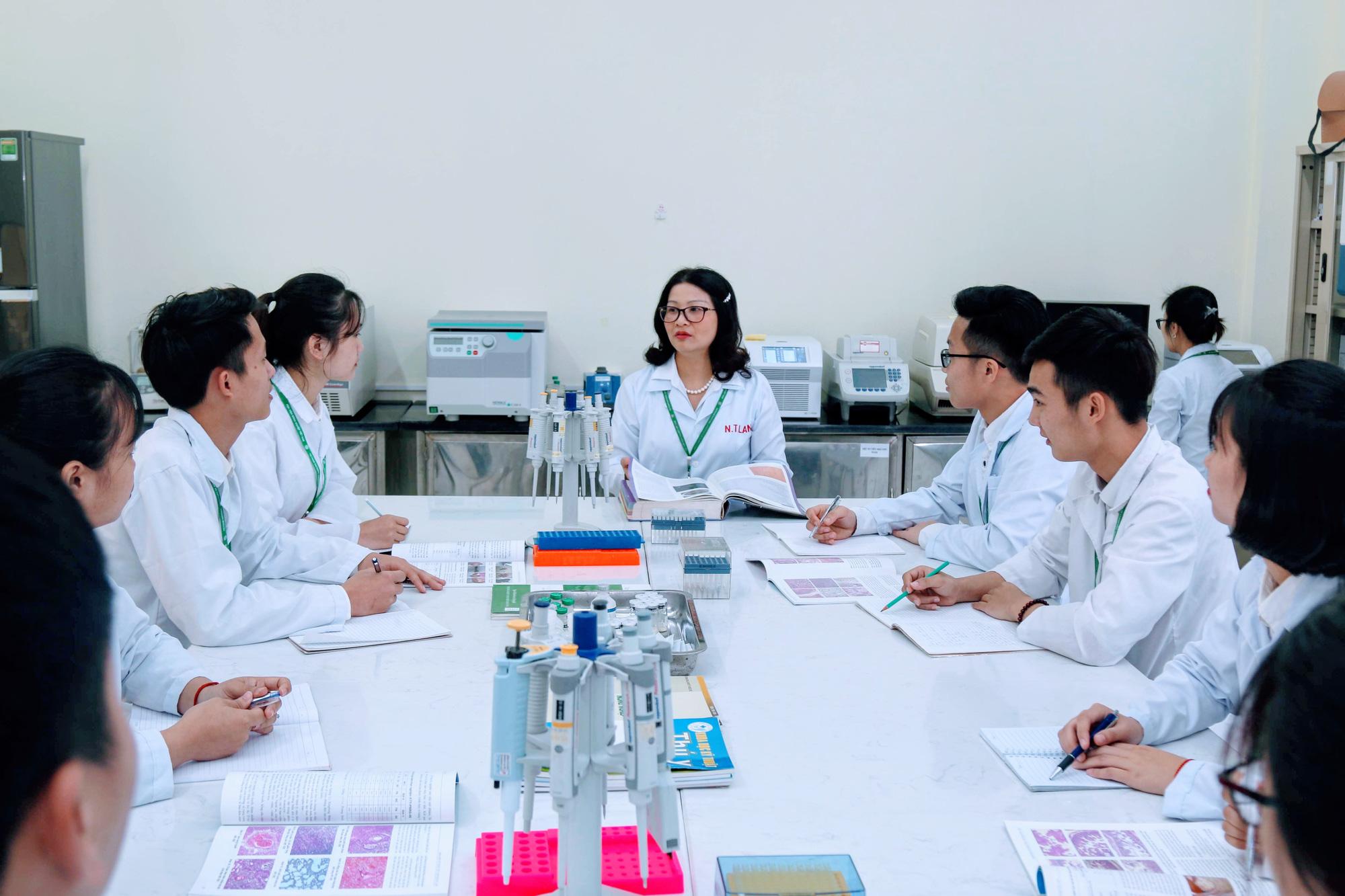 Cúm A/H5N6 phức tạp, Học viện Nông nghiệp VN sẽ đẩy mạnh nghiên cứu - Ảnh 1.