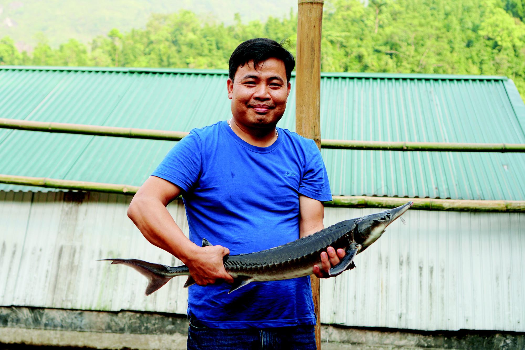 Anh Nguyễn Khắc Đông – chủ trang trại cá hồi, cá tầm ở xã Nấm Dần, huyện Xín Mần, tỉnh Hà Giang.