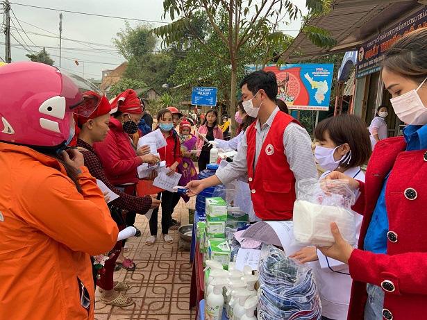 Nậm Pồ - Điện Biên: Những con người mang trái tim chữ thập đỏ giữa mùa dịch Corona - Ảnh 3.