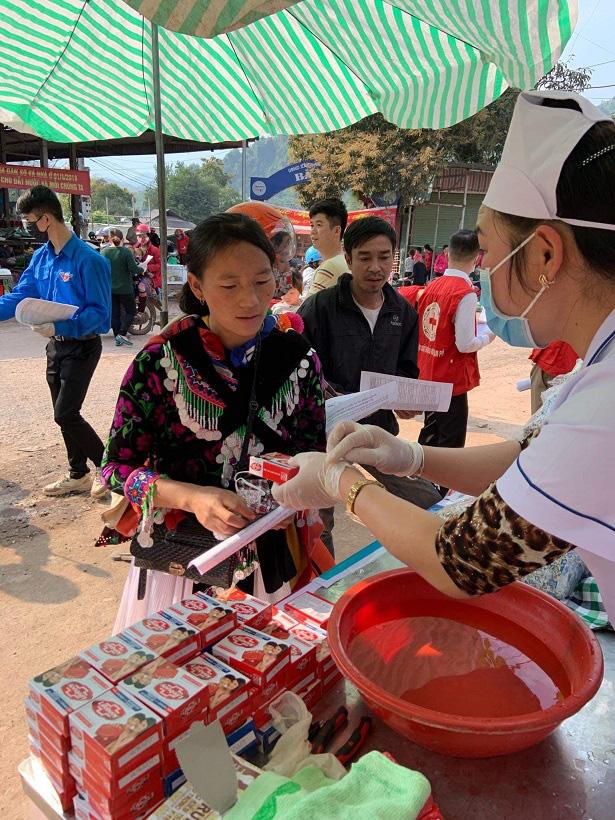 Nậm Pồ - Điện Biên: Những con người mang trái tim chữ thập đỏ giữa mùa dịch Corona - Ảnh 2.