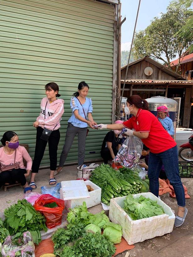 Nậm Pồ - Điện Biên: Những con người mang trái tim chữ thập đỏ giữa mùa dịch Corona - Ảnh 5.