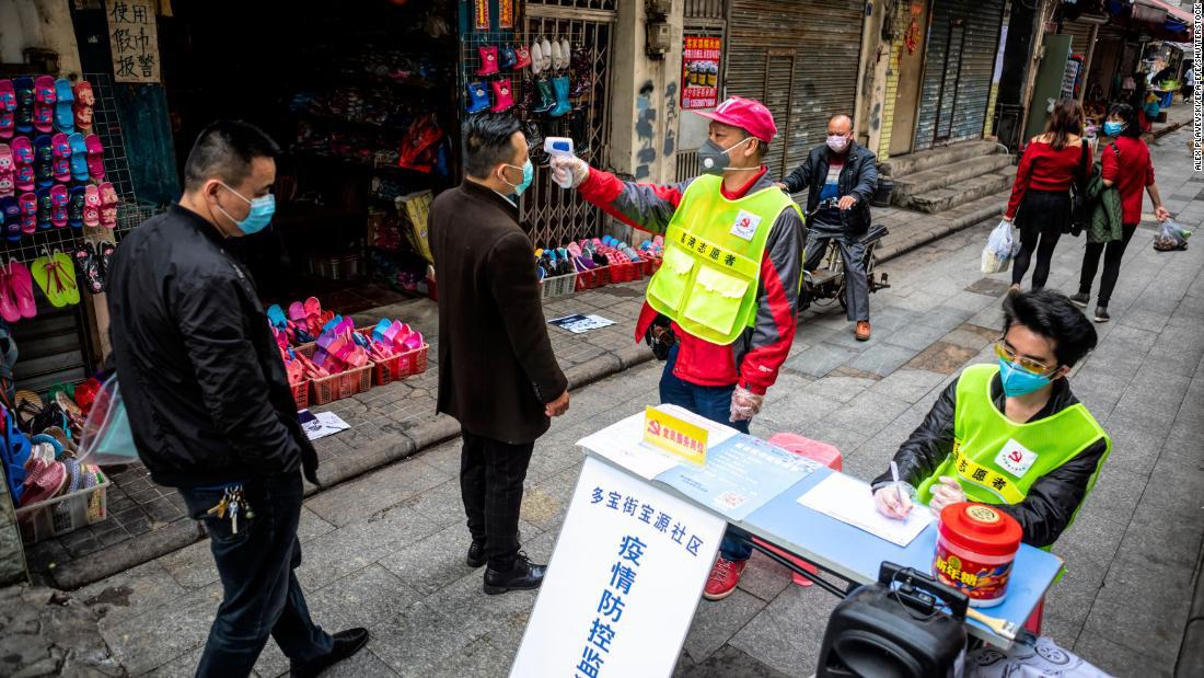 Chuyên gia nhận định nguy cơ tái bùng dịch khó đánh gục kinh tế Trung Quốc phục hồi - Ảnh 1.