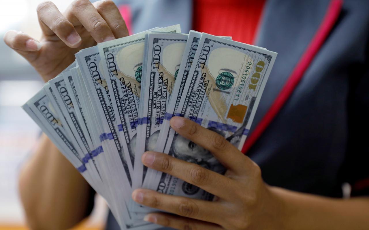 Tỷ giá ngoại tệ hôm nay 25/2 tăng sốc trên thị trường tự do
