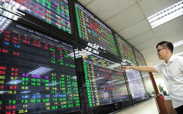 Được cổ phiếu nhà giàu giải cứu, VN-Index tăng điểm phút chót