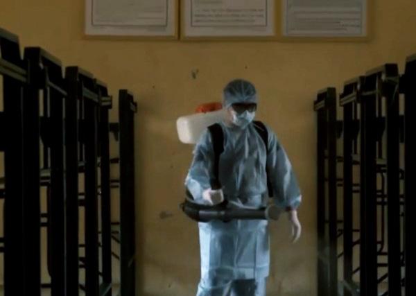 Cách ly 14 ngày 70 công dân Việt Nam đi lao động chui tại Trung Quốc - Ảnh 2.