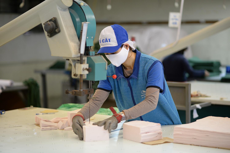 Khẩu trang kháng khuẩn tái sử dụng 30 lần giá 7.000 đồng sản xuất như thế nào, mua ở đâu? - Ảnh 5.