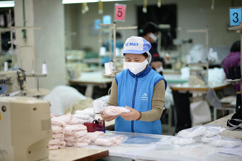 Khẩu trang kháng khuẩn tái sử dụng 30 lần giá 7.000 đồng sản xuất như thế nào, mua ở đâu? - Ảnh 6.