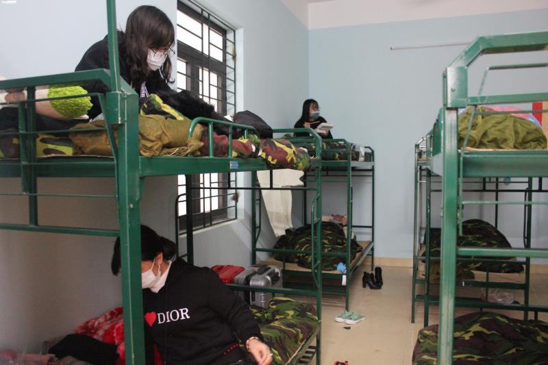 Cận cảnh khu cách ly người từ Trung Quốc về Việt Nam tại Lạng Sơn - Ảnh 8.