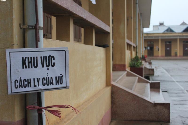 Cận cảnh khu cách ly người từ Trung Quốc về Việt Nam tại Lạng Sơn - Ảnh 6.