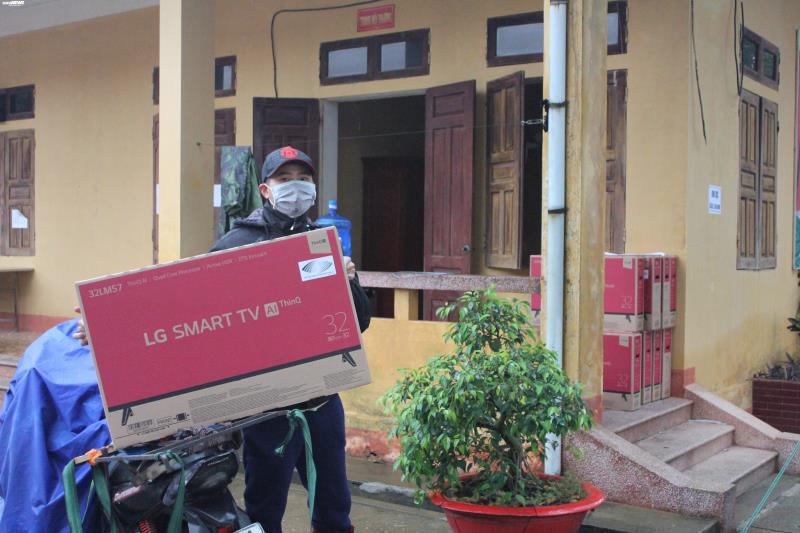 Cận cảnh khu cách ly người từ Trung Quốc về Việt Nam tại Lạng Sơn - Ảnh 9.