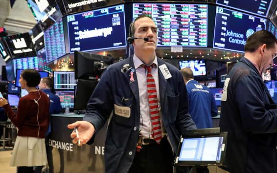 Dow Jones và S&P 500 giảm hơn 11%, chứng khoán Mỹ lại ngừng giao dịch