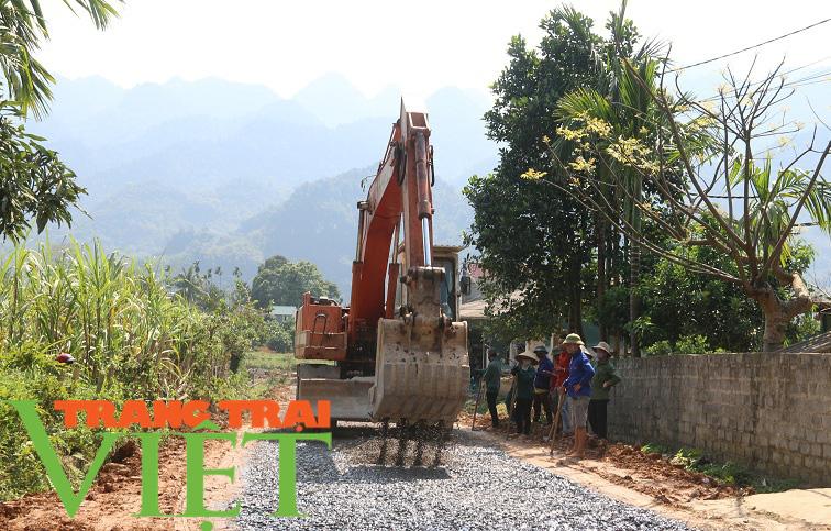 Hoà Bình: Đẩy mạnh công tác xây dựng nông thôn mới - Ảnh 1.