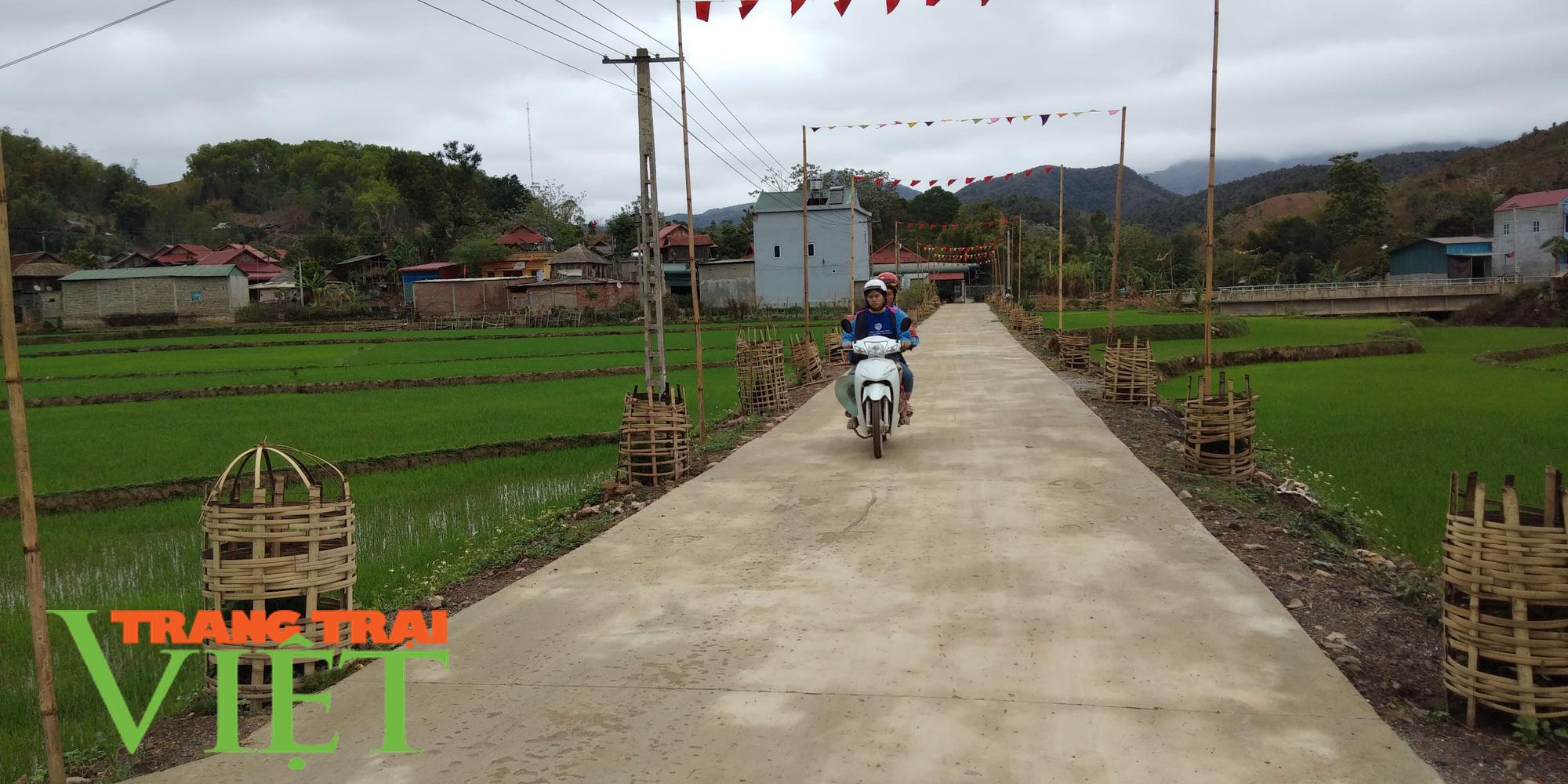 Sốp Cộp thực hiện giải pháp xây dựng xã nông thôn mới nâng cao - Ảnh 1.