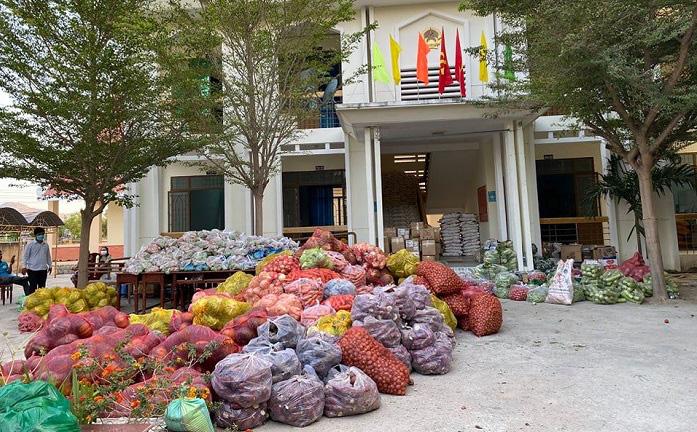 Lâm Đồng: Chở 4 tấn rau, củ về vùng dịch Covid-19 Văn Lâm 3 - Ảnh 2.