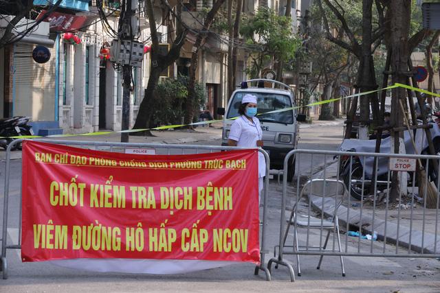 ADB sẵn sàng hỗ trợ Việt Nam ứng phó với dịch Covid-19 - Ảnh 1.