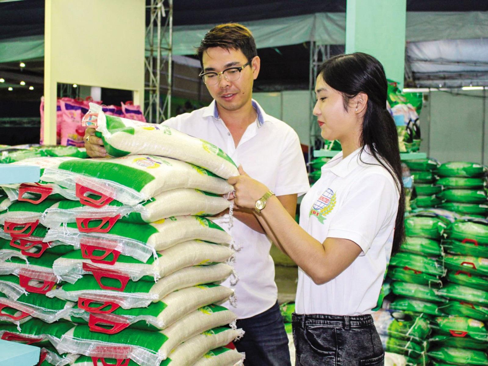 Người Hà Nội ăn hết bao nhiêu gạo mỗi năm? - Ảnh 1.