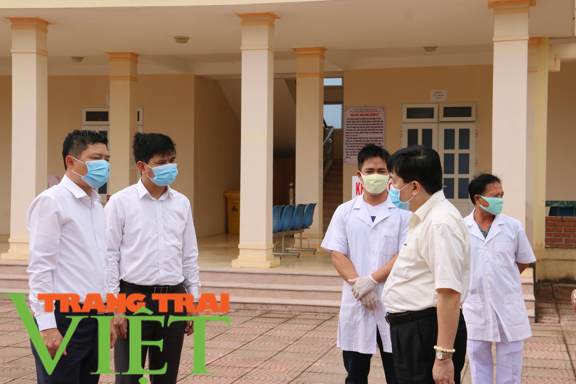 Tân Lạc tăng cường công tác phòng, chống virus corona - Ảnh 6.