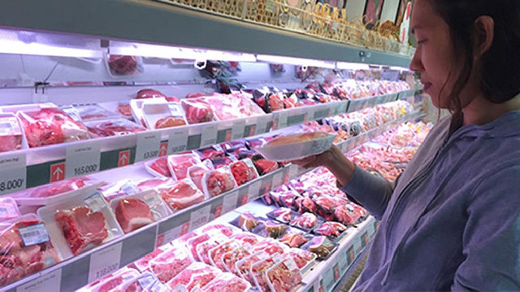 Gần 1.500 tấn thịt lợn từ Nga đã về Việt Nam, giá heo hơi sẽ giảm? - Ảnh 1.